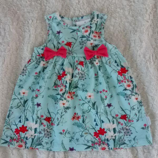 Stummer Kleid grün mit Schleifchen und Blümchen