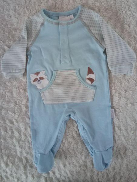 Stummer Overall Schlafanzug Waschbär